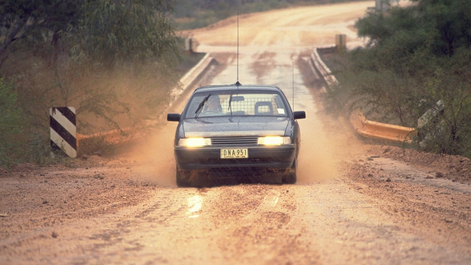 VN Commodore Dirt Road