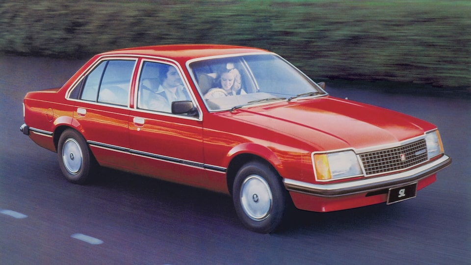 VH Commodore Red